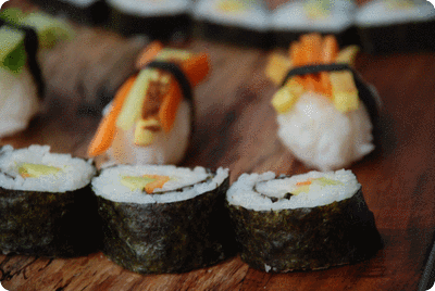 "<a href=""/recipes/49""><img alt=""Titelsschrift"" src=""/system/rectitles/CAPS_Sushi.png?1279621414"" /></a>"